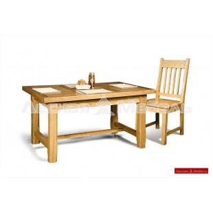 Обеденный стол из массива дуба для кухни.