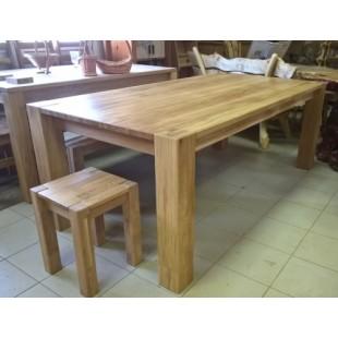 Стол обеденный из дуба для гостинной