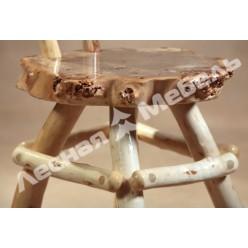 Деревянный табурет из тополя.