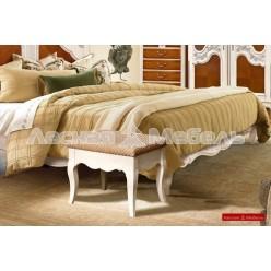 Банкетка в спальню из дуба (малая) - шамбор
